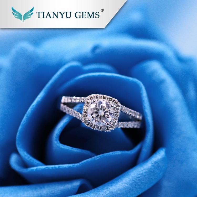 China Moissanite 1 carat 18k/14k/PT950 White gold moissanite and diamond ring on sale