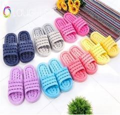 China plastic non-slip water leakage bthroom slippers Sandals on sale