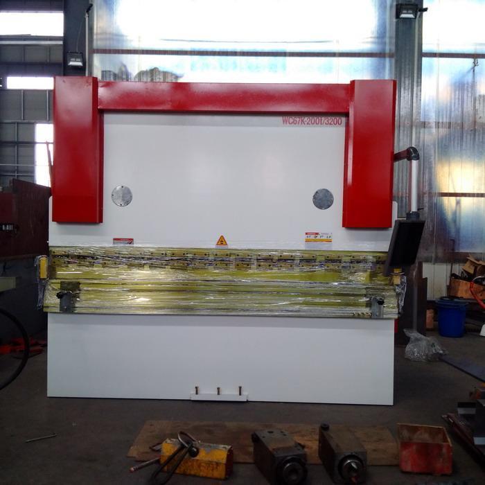 WC67K Hydraulic Press Brake Machine-200T3200